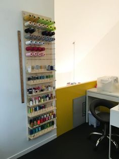 Sewing studio ideas mezzanine change 3 spaces rooms ranger thread storage name . Sewing Room Decor, Sewing Room Organization, Sewing Rooms, Organizing Ideas, Coin Couture, Atelier Creation, Thread Storage, Sewing Studio, Craft Storage