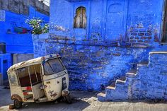 Jodhpur the blue city of India Rajasthani Painting, India Architecture, Amazing India, Living In England, Collagraph, Miss India, Blue City, The Beautiful Country, City Aesthetic