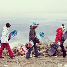 Roxy snowboards are built to make you better. Torah Bright,  Robin Van Gyn & Corinne Pasela #ROXYsnow