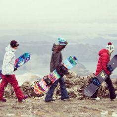 Roxy snowboards are built to make you better. Torah Bright,  Robin Van Gyn & Corinne Pasela #ROXYsnow