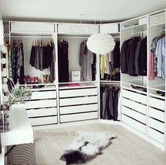 walk in wardrobe organising - Pauline Postec - #organising #Pauline #Postec #walk #wardrobe