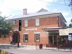 The 'Gloucester Gallery' is a community gallery space located in the historic School of Arts building > http://www.gloucester-gallery.com.au/