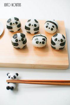 Panda and Penguin Sushi - bento Panda Sushi, Panda Food, Sushi Sushi, Sushi Cafe, Sushi Kit, Sushi Rolls, Bento Recipes, Baby Food Recipes, Fete Marie