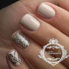 Having short nails is extremely practical. The problem is so many nail art and manicure designs that you'll find online Gold Nails, Pink Nails, Glitter Nails, Gold Glitter, Ongles Beiges, Hair And Nails, My Nails, Super Nails, Beautiful Nail Art
