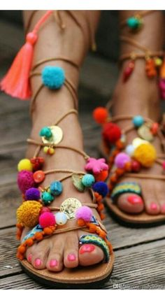2016 leather pom pom strap sandals lace up gladiator flats thong sandals flip flops multi color stones dress shoe