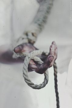 Картинка с тегом «black, hand, and rope»