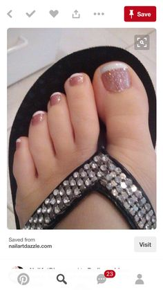17 Ideas french pedicure designs toenails pretty toes for 2019 Cute Toes, Pretty Toes, Pretty Toe Nails, Fancy Nails, Trendy Nails, Toe Designs, Toe Nail Designs For Fall, Toe Nail Art, Gel Nail