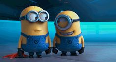 Despicable Me minions have only been around for five years. Everywhere you turn there's a minion or minion reference. Here are 10 Fun Facts about Minions. Gif Minion, Minion Humour, Cute Minions, Funny Minion, Funny Videos, Funny Gifs, Funniest Gifs, Funny Memes, Fun Funny