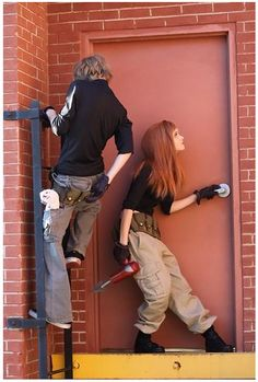 Too much wonderful in one picture. I'm in lesbians with whoever dressed up as Kim possible and Ron stoppable.