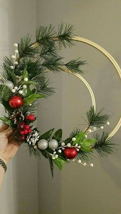 Christmas holidays often come with joy and happiness. This can be emphasized with a bunch of DIY Christmas wreaths to make the holiday complete. Noel Christmas, Winter Christmas, Christmas Ornaments, Christmas Planters, Diy Christmas Wedding, Christmas Projects, Holiday Crafts, Embroidery Hoop Crafts, Christmas Embroidery