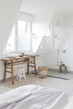 Great solution for an attic to built a (extra) bedroom - bathroom in one!