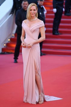 70th Annual Cannes Film Festival - May 2017 - Uma Thurman in an Atelier Versace dress and Bulgari jewelry