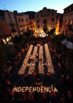 Estelada amb Espelmes - Encén la Flama a Montblanc 2000 espelmes 11 de Maig del 2013