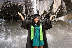 Can't skip a graduation photo with Baylor's beautiful Rosenbalm Fountain!