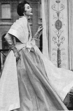 1953  gown and a pleated stole by Hubert de Givenchy.