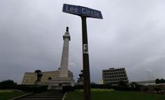 New Orleans ready to take down controversial Gen. Robert E. Lee statue #U_S_A_ #iNewsPhoto