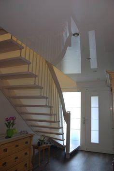 Superb abgeh ngte Decke im Wohnzimmer mit Beleuchtung Decken und W nde Pinterest