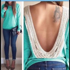 "BACKLESS TOP ""HOST PICK"" Sexy long sleeve O-neck backless lace trim top, round collar , in green, with white lace , size xlg, but would fit a large better...no tags attached, comes in the original packaging...TOTAL TRENDSETTER HOST PICK 5-13-2016 Tops Tees - Long Sleeve"