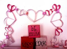 Tutorial on how to make your very own heart paper chain.  I bet you have everything already at home to do it, too!