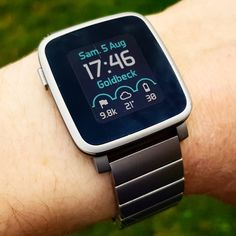 Lucky to fit your needs, present day smartwatches aren't pretty bits of hardwear. Wearable Computer, Black Apple, Watch Faces, Present Day, Ladies Dress Design, Outfit, Lady, Apple Watch, Smart Watch