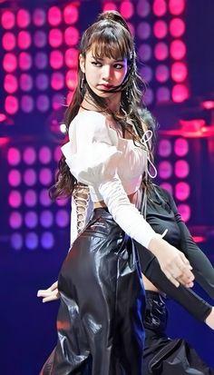 South Korean Girls, Korean Girl Groups, Yg Entertainment, Oh My Girl Yooa, Blackpink Members, Lisa Blackpink Wallpaper, Hip Hop, Korean Couple, Blackpink Photos