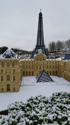 Our LEGO recreation of Paris has been treated to a beautiful dusting of snow at the LEGOLAND Windsor Resort