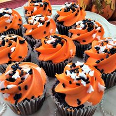Halloween GF/DF Chocolate Mini Cupcakes With Vanilla Frosting (Made With Natural Vegetable Colorant)