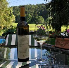 #Fantinel #TenutaSantHelena #Sauvignon: all the elegance of #Friuli #Collio.  #wine #whitewine #winetime #hills #landscape #zurich #switzerland #glass #chillout #madeinitaly