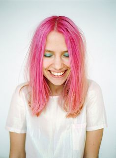 hot pink happiness. how can you not be as happy as this chick when you have pink hair :)