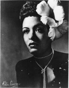 Harper's Bazaar Dec. 31, 2020: Fashion Photos from the 1940s That Continue to Inspire Today - Billie Holiday 1943 Foto Fashion, 1940s Fashion, Timeless Fashion, Billie Holiday, Liberty Scarf, Claire Mccardell, Bonnie Cashin, Vintage Black Glamour, Vintage Wall Art