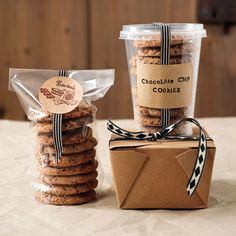 Cookie packaging and Chocolate Chip Cookies Bake Sale Packaging, Baking Packaging, Dessert Packaging, Food Packaging Design, Packaging Ideas, Cupcake Packaging, Product Packaging, Cookie Gifts, Food Gifts