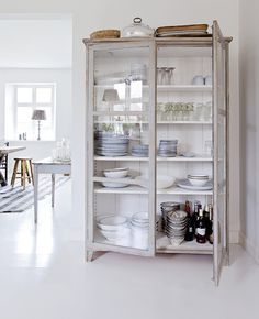 I would love one of these in my lovely kitchen!! Storage, storage and more…