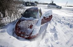 Winter Roadside Survival Tips The Weather Channel Won't Tell You - http://www.offthegridnews.com/2014/01/16/winter-roadside-survival-tips-the-weather-channel-wont-tell-you/