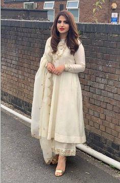 Nandini by Niti J Kundu Simple Pakistani Dresses, Pakistani Bridal Dresses, Pakistani Dress Design, Pakistani Outfits, Pakistani Fashion Party Wear, Bridal Lehenga, Indian Fashion Dresses, Indian Gowns Dresses, Dress Indian Style