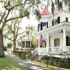 "America's Happiest Seaside Towns | 1. Beaufort, South Carolina | This town is a fun stop over a bit off of 95~cute shops, restaurants on the water and some nice art galleries and my husband had to go BC his favorite movie ""The Big Chill"" was filmed here.."