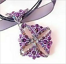 Okno pendant by mu. Free pattern!