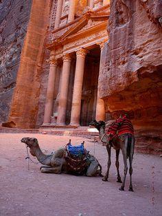 Petra Jordania  http://www.maestroegypttours.com/sp/Excursi%C3%B3nes-en-Egipto/Sharm-El-Sheikh-Excursiones/Tour-y-Excursi%C3%B3n-a-Petra-de-Sharm-El-Sheikh-por-ferry