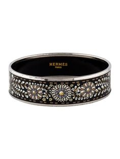 Palladium Hermès Wide Enamel bangle with black motif enamel inlay throughout. Hermes Bracelet, Bangles, Bracelets, Girl Fashion, Enamel, Sparkle, Bling, Belt, Pearls