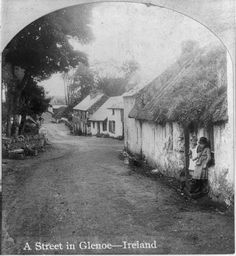 What Irish houses would have looked like in the early Old Pictures, Old Photos, Vintage Photos, Ireland Pictures, Old Irish, Irish Catholic, Irish Cottage, Ireland Homes, Ireland Travel
