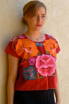 Mexican Flowers, Mexican Embroidery, Calico Fabric, Mexican Artists, Almost Perfect, Red Silk, Boho Fashion, Ruffle Blouse, Motifs