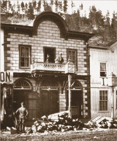 The touring troupe would always remember that night in Deadwood, Dakota Territory, when Calamity Jane came to see them […] Calamity Jane, Dodge City, Le Far West, Dance Hall, Historical Society, South Dakota, Wild West, Touring, Opera House