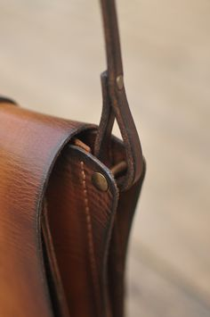 Vintage Leather Backpack, Leather Crossbody Bag, Leather Purses, Leather Handbags, Leather Wallet, Leather Bags Handmade, Leather Craft, Leather Bag Tutorial, Small Leather Bag