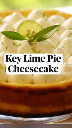 Key Lime Pie Cheesecake, Cheesecake Squares, Banana Cheesecake, Cheesecake Bites, Cheesecake Recipes, Pie Recipes, Sweet Recipes, Baking Recipes, Delicious Desserts