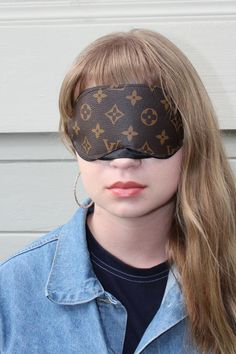 Can't sleep with the light on? Do it in style with the Louis Vuitton eye mask. You'll look extra and boujee ;) Comfortable, lightweight, dope and portable. Louis Vuitton, Sleep Mask, Spice Things Up, Masquerade, Take That, Stuff To Buy, Image, Beauty, Style