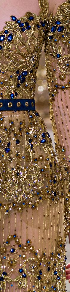 Elie Saab Spring 2017 Couture Details - glittering golds paired with beautiful blues Couture Details, Fashion Details, Fashion Design, Elie Saab Spring, Ellie Saab, Beautiful Gowns, Couture Fashion, Women's Fashion, Pretty Dresses