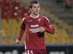 Miralem Pjanic ( FC Metz) Fc Metz, Football, French, Sports, Tops, Fashion, Soccer, Hs Sports, Moda