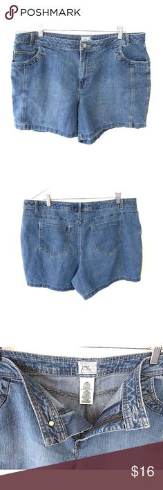 """JMS Just My Size Denim Jean Shorts Sz 20W Brand: JMS Just My Size Style:  Flat front bermuda/walking shorts Size:  20W Color/Pattern: blue denim  Material:  70% cotton 28% polyester 2% spandex Measurements taken flat:  -Waist:   21"""" -Inseam:   6.5"""" -Rise:   12"""" Garment Care: machine wash, tumble dry    Condition: No flaws Just My Size Shorts Jean Shorts"""