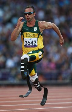 Oscar Pitorius Oscar Pistorius, Prosthetic Leg, Big Crowd, Olympic Athletes, Leg Press, Track And Field, Olympians, Olympic Games, Squats