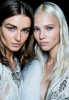 maquillage discret yeux bleus idees astuces en photos