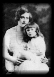Agatha Christie with her daughter, Rosalind